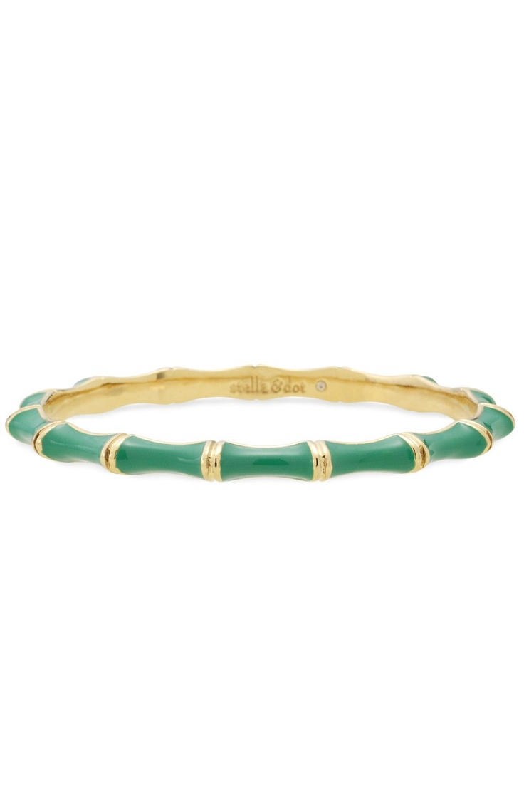 Who couldn't resist this green bamboo bangle? Amazing price point and comes in 3 other colors. www.stelladot.com/nena
