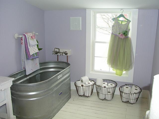 Metal Trough Bathtub : ... about Rustic Bath on Pinterest Outdoor bathtub, Rustic and Bath