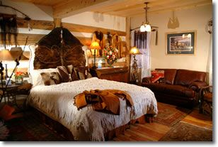 Western leather and lace bedroom!Luxury Bed