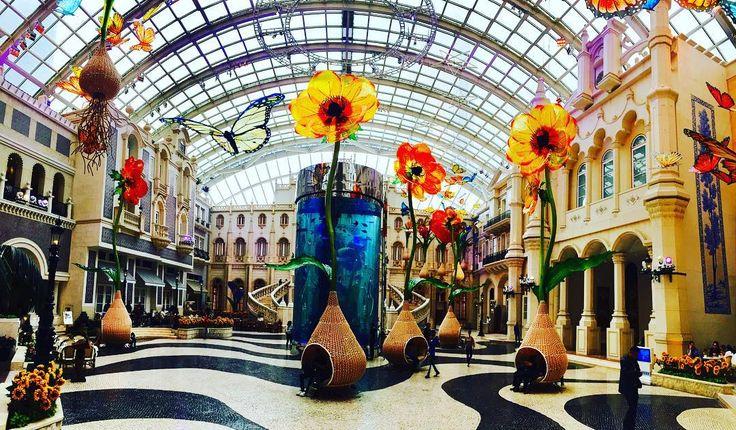 MGM Grand hotel, Macao. Always beautiful lobby #mgmgrand #mgmmacau #mgmhotel #traveltimes #hotel #glassesflowers #macau🇲🇴 #wowmacau #livelovemacau #travelingram #travelblogger