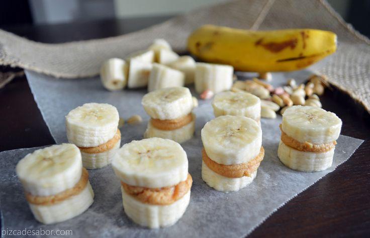 Sándwich de plátano y crema de cacahuate (botana sin pan o carbohidratos)  http://www.pizcadesabor.com/