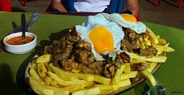 https://flic.kr/p/QLupfK | LaLigua006 | Una apetitosa Chorrillana, Expo La Ligua Feria del Tejido, La Ligua, Valparaíso, Chile.