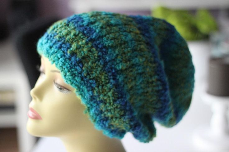 Beanie+Mütze+dick+weich+boucle+Wolle+blau+grün+von+Marie-Bubbles+auf+DaWanda.com
