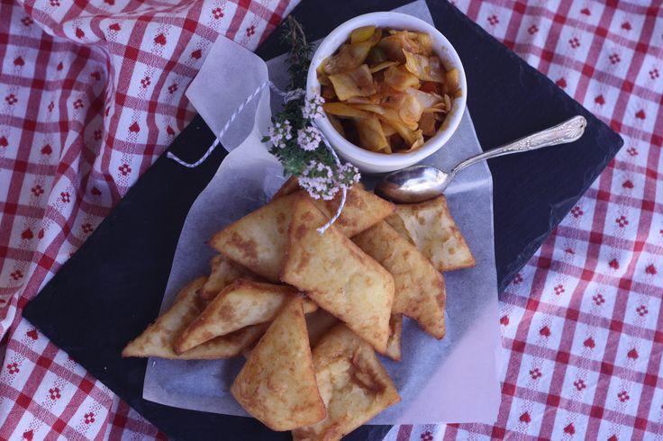 Erdäpfel-Blattl'n mit Paprikakraut - wie von Oma!