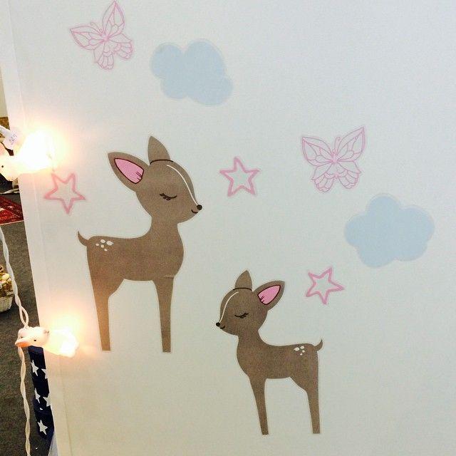 Väggdekor med rådjur från Kids Concept. Miniroom.se - Sveriges Trendigaste Barnrum! Vi älskar barn och deras rum. Woodland rabbit party string lights by dotcomgiftshop.