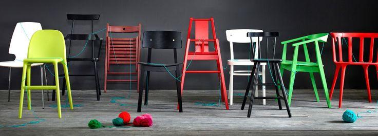 Stoler i forskjellige modeller, materialer og farger