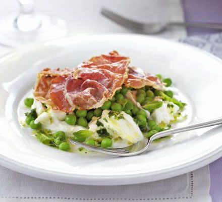 4 slices prosciutto 100g peas, fresh or frozen 1 ball buffalo mozzarella (approx 125g), torn into large pieces For the vinaigrette juice ½ orange 1 tbsp olive oil small handful mint, leaves finely chopped, plus extra small leaves to serve.