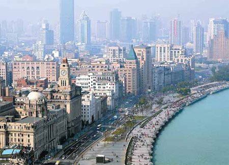 This is the Bund in Shanghai...again the modern mixed with the old.