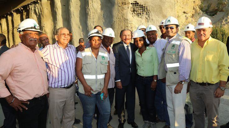 En visita sorpresa: Danilo Medina supervisa avances Línea 2B del Metro