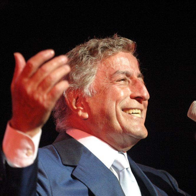 Tony Bennett - I Wanna Be Around by VNS_sinergi35 on Smule