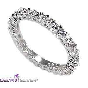 """Gli eleganti anelli fedine con riviera di zirconi graffati, gioielli in Argento 925/1000: l'anello """"LOVELY ROMANCE"""" è una preziosa fedina caratterizzata dalla luminosa riviera di zirconi graffati bianchi a tuttogiro; argento di finitura lucida.     http://www.deviantsilver.com/lovely-romance-fedina-argento-925-gioiello-con-zirconi-graffati-bianchi-p-296.html"""