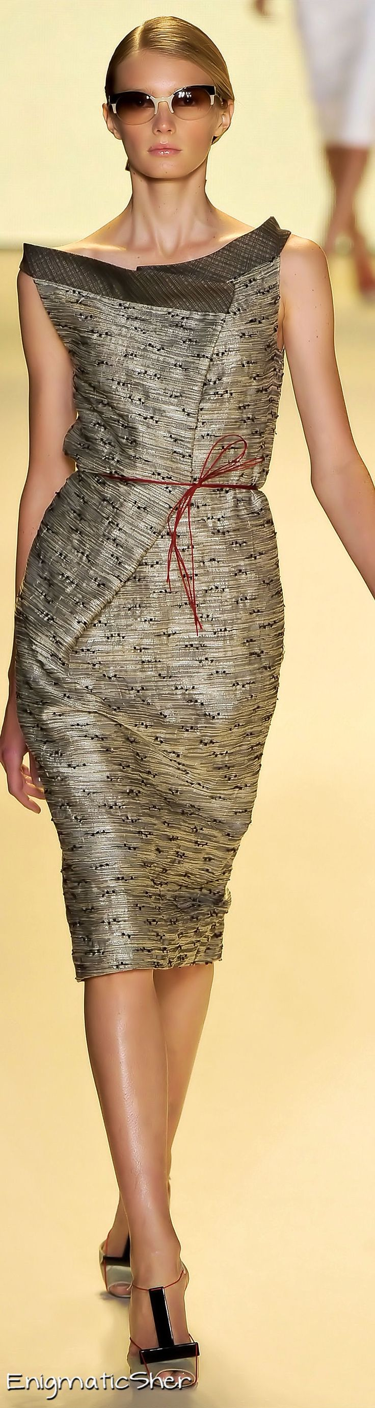 I'd just like some minor alterations at the shoulders. Carolina Herrera Spring Summer 2011 Ready-To-Wear