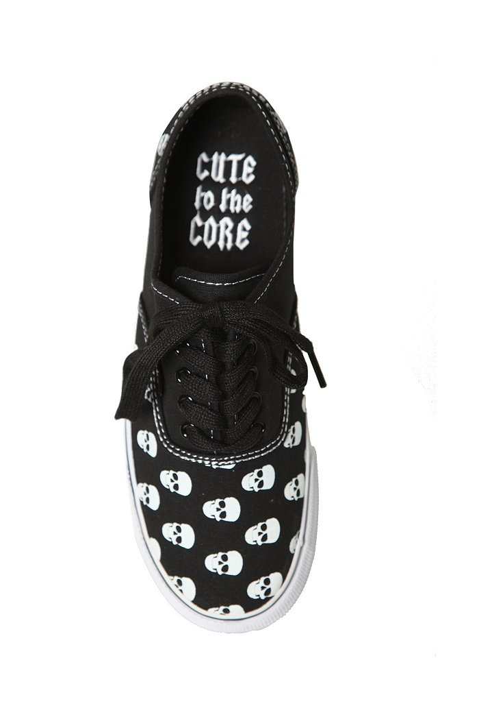 Skull Shoes | Hot Topic how about these mom ?