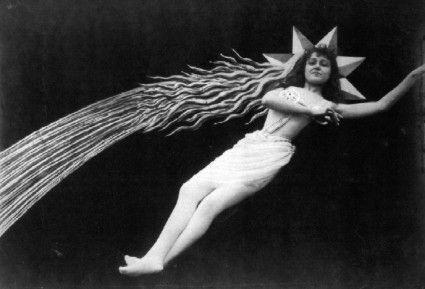 Fotografía de la película 'El eclipse de Sol en plenilunio' (1907) - Georges Méliès