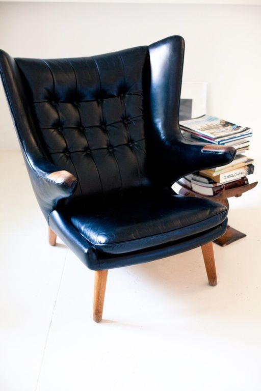 I have yet to introduce anything dark to my scheme, but this chair scream for a library to rest in. I have that library.