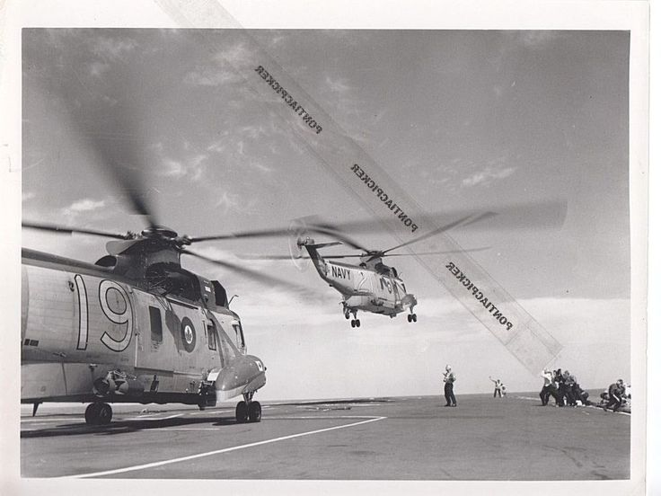 RCAF CH-124 Sikorsky Sea King Helicopter Aircraft Carrier Military Vtg Photo 6x8