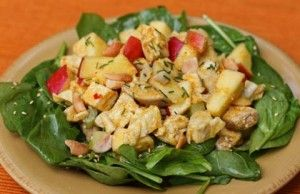 Spinach, chicken, and honey mustard dressing
