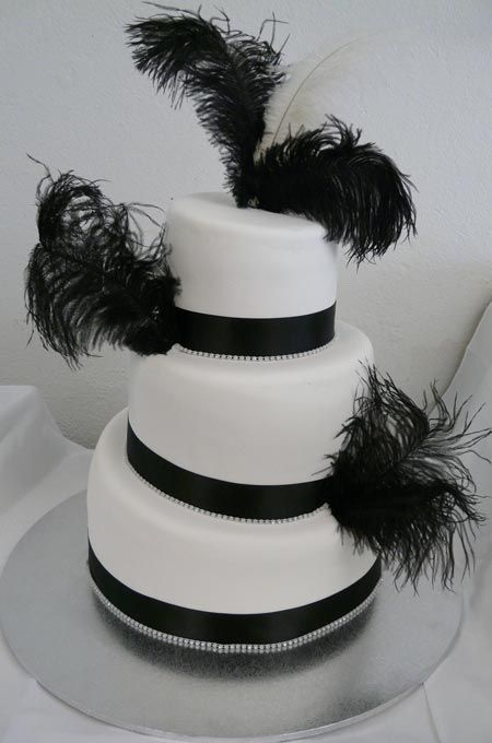 ostrich feather wedding cake feathers everywhere wedding 18072