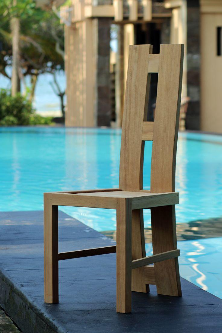 guus chair