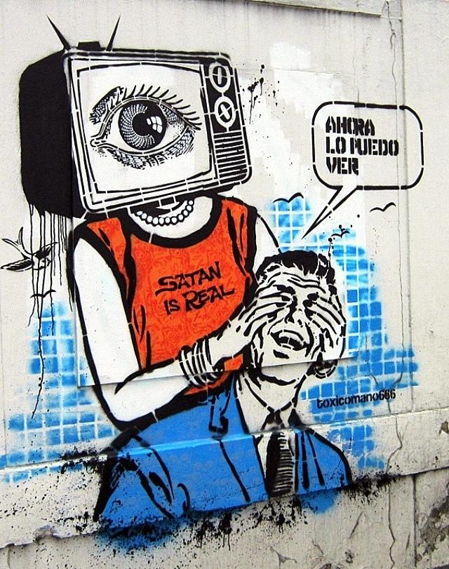 Calle Esos Ojos from 'Bogota Street Art'
