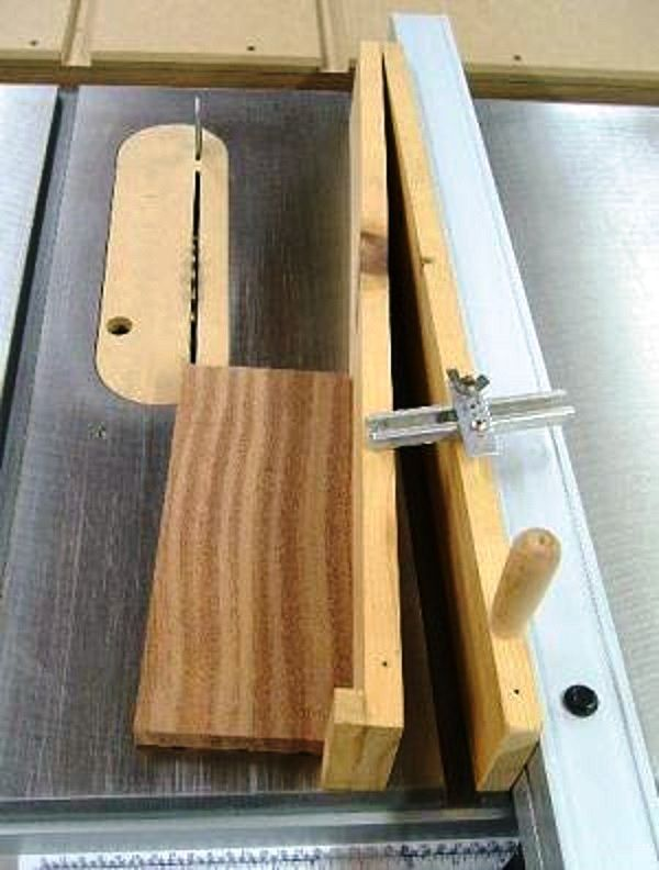 17 meilleures id es propos de table de sciage sur pinterest garage organisation d 39 ateliers - Comment couper des plinthes en biais ...