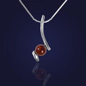 Wisiorek z brązowym bursztynem na łańcuszku - AnKa Biżuteria