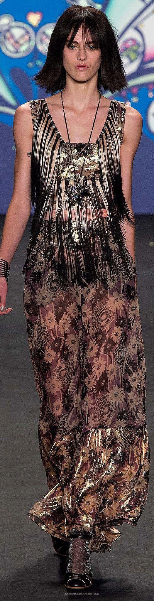 Farb-und Stilberatung mit www.farben-reich.com - Anna Sui SS2015