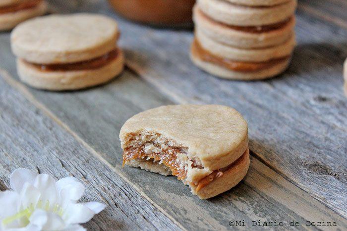 Deliciosa y sencilla receta de Alfajores de lúcuma, una preparación fácil de hacer y con sabores exquisitos que ahora podrá hacer en su hogar.