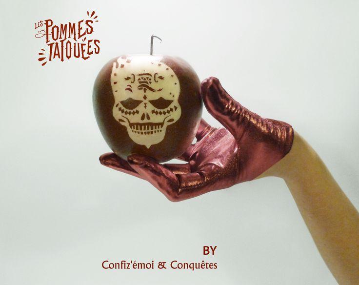 Pomme d'amour, d'Adam ou empoisonnée, ce fruit défendu symbolise l'opposition entre séduction et répulsion. Subversive, à la fois libertine et toxique, voici «La Pomme Tatouée». #Conquêtes & Confiz'émoi. #Projet artistique  #Pommes tatouées   #PommeEmpoisonnée #Fêtedesmorts  https://www.facebook.com/pages/Conqu%C3%AAtes/362650620568033?ref=hl