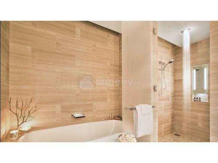 Travertin v interiéru je vhodný i do namáhavějších prostor jako jsou koupelny…