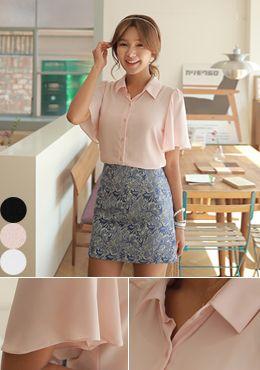 Today's Hot Pick :[Romi]ウィングスリーブシフォンブラウス http://fashionstylep.com/SFSELFAA0014389/romi00ajp/out フェミニンムードたっぷりのブラウス。 ひらひらシフォン素材でさらっと着心地よく、女性らしいルックス。 ラブリーなウィング袖に仕立て、華奢な二の腕に見せてくれます。 多様スタイリングとの合わせに使えて便利! 繊細なディテールはクオリティを高め、よりエレガントなブラウスです。 ◆3色: ブラック,ライトピンク,ホワイト
