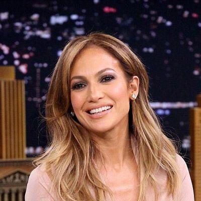 Zavarba hozta a nézőket is! Jennifer Lopez túl sokat mutatott magából a műsorban