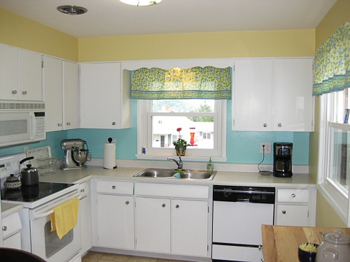 kitchen walls colors sherwin williams sunbeam yellow and tame teal