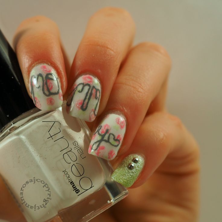 http://s0happyic0ulddie.blogspot.fi/2015/05/mommy-nails.html