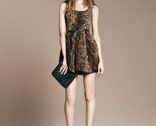 vestidinho de onça!  R$124,75 vestido de oncinha, o cinto acompanha o vestido.muito fofo e sexy ao mesmo tempo!