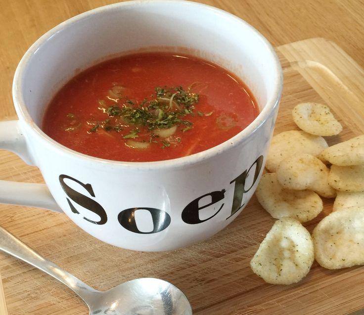 Het lekkerste Chinese tomatensoep recept : Zo maak je eenvoudig de zoetzure Chinese tomatensoep die je normaal van je afhaalchinees haalt!