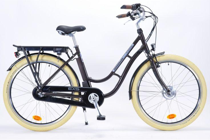 1129€ - Un VTC électrique équipé de 3 vitesses Sram IMOTION (intégré dans le moyeu arrière), d'une batterie Lithium-ion 36V. 8.8AH à 5 niveaux d'assistance. Conçu en France. Profitez ! Actuellement, Velonline vous offre les frais de port pour l'achat d'un vélo électrique ! Découvrez toute notre gamme de vélos électriques