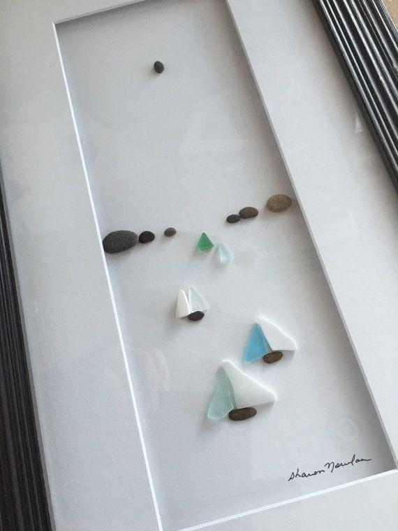 Segel-Boote im Wasser Meer Glas und Kiesel Kunst von Sharon Nowlan 8 von 15