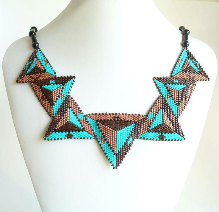 2534 Triangle necklace made by Darlene Pfahl