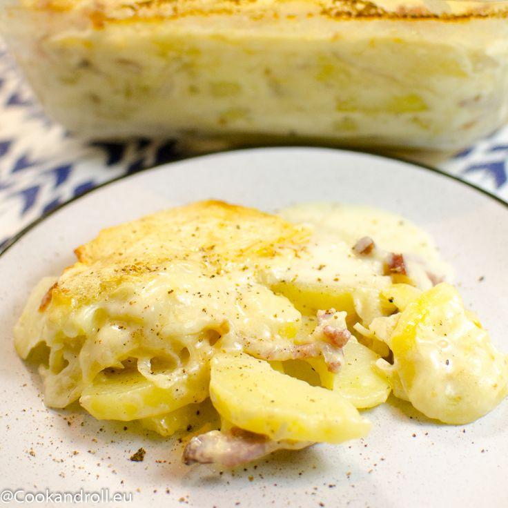 Fait froid, hein?! J'ai ce qu'il te faut :-) Une bonne tartiflette au Reblochon AOP au lait cru, c'est radical! La recette - réconfortante - est sur Cookandroll.eu www.cookandroll.eu/archives/2018/03/03/36191984.html  #fromage #savoie #reblochon #laitcru #alaneige #flaine #bolzi #paysan #terroir #recette #blog #tropbon #tartiflette #reconfortant #hiver #lait cru #alpage #alpes #france #belgianblogger #foodie #cookandroll