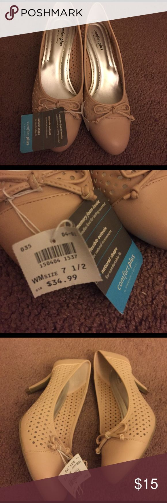 Comfort plus light pink heels NWT size 7.5 New with tags very comfortable light pink 2 inch heel with bow at toe . Perfect condition comfort plus by predictions  Shoes Heels