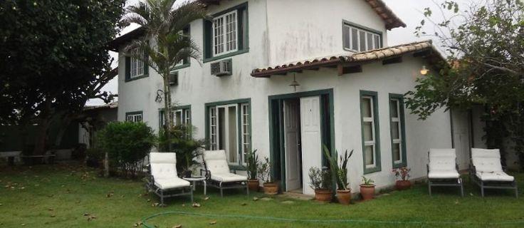 Réveillon em Búzios, Manguinhos? Casa em pequeno condomínio a 150m. da praia com piscina e churrasqueira. #férias #folga #viagem