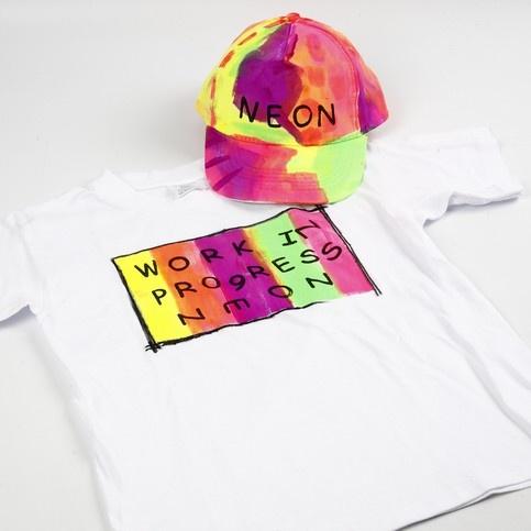 Neon textilfärger med tryck på  textilier