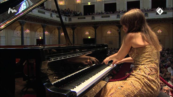 When Eluard compares commanding a wing of drones to playing the piano, he was probably thinking of this concert by amazing Anna Fedorova.