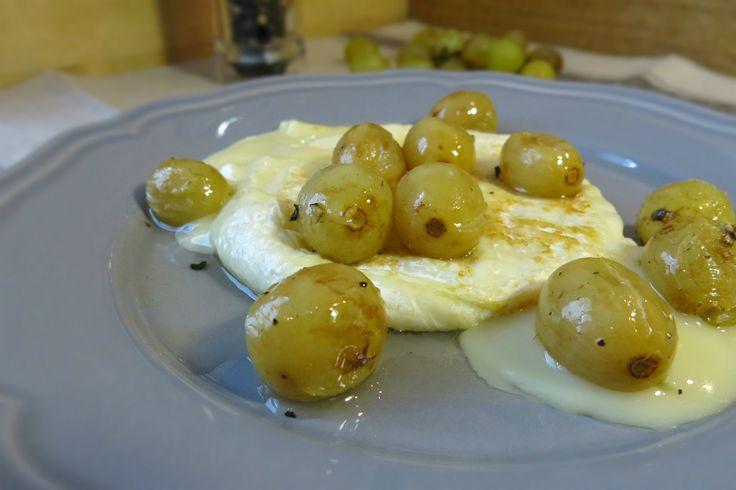 tomino+alla+griglia+con+uva+bianca+al+forno+e+pepe+nero