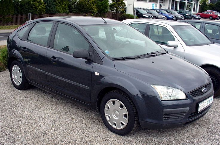 Ford Focus 1.6. The second edition, imported from Spain. My aut have this one. Nice car.