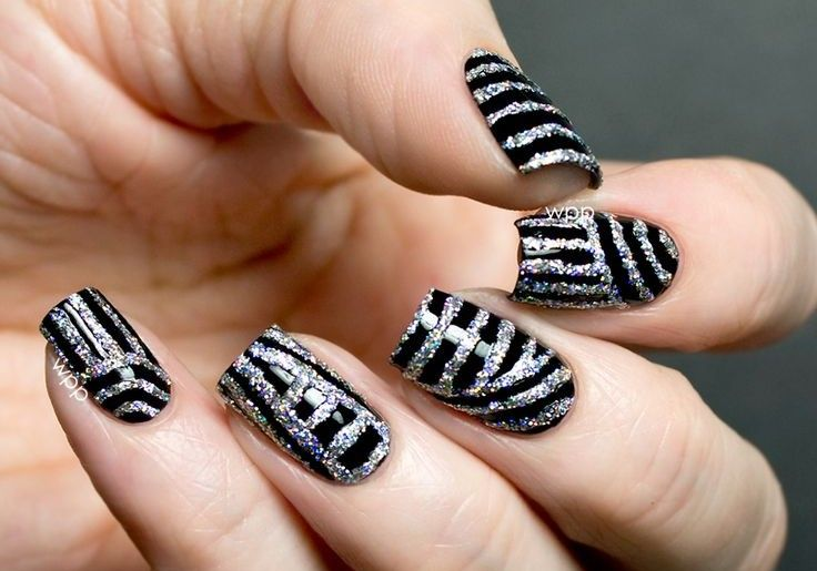 "I don't know why, but these nails make me think of Michael Jackson in his ""Rock with you"" video."