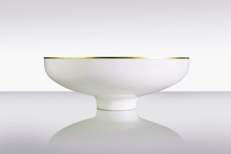 Tiara - the bowl that combines Corian with precious metal that protects delicate edges from demage