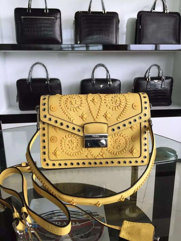 fc99d810547e prada Bag