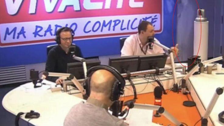Etranges apparitions dans le studio radio de la RTBF lors de la séquence Cactus du 10 novembre. Deux ombres fantômatiques ont fait irruption derrière le présentateur.